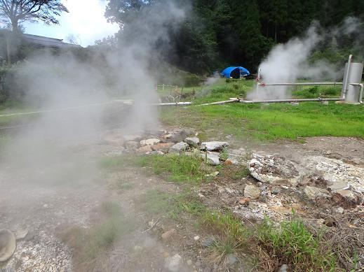 10 岳の湯の源泉.JPG