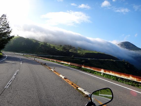 10 雲が凄い事になっとる.JPG