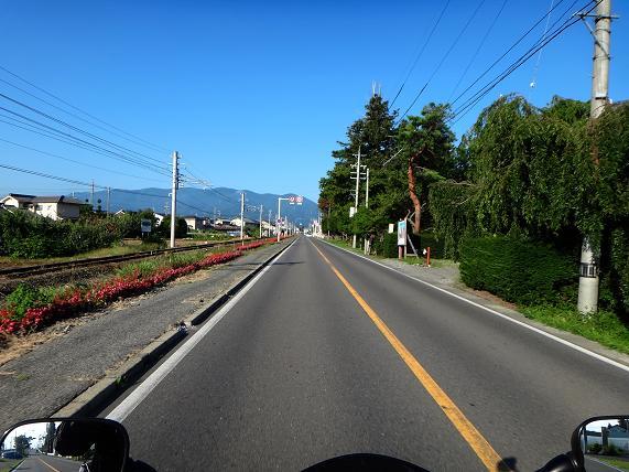 10 高山まで一本道です.JPG