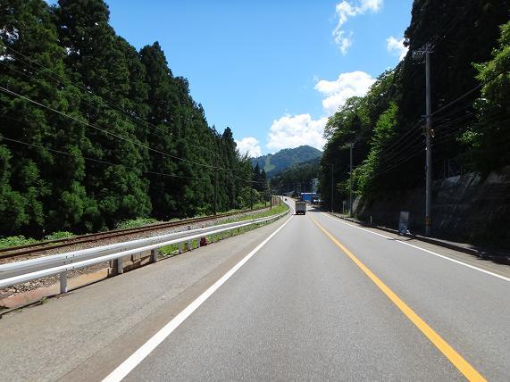 11 宇奈月温泉へ向かう路線.JPG