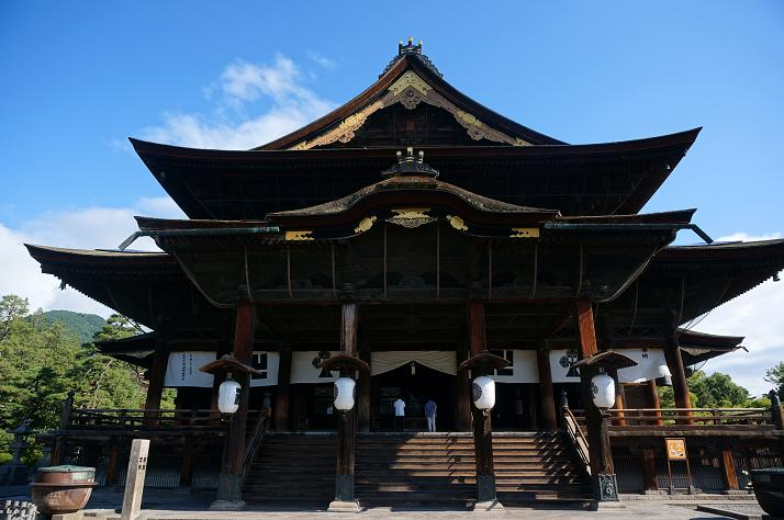 13 善光寺本殿.JPG