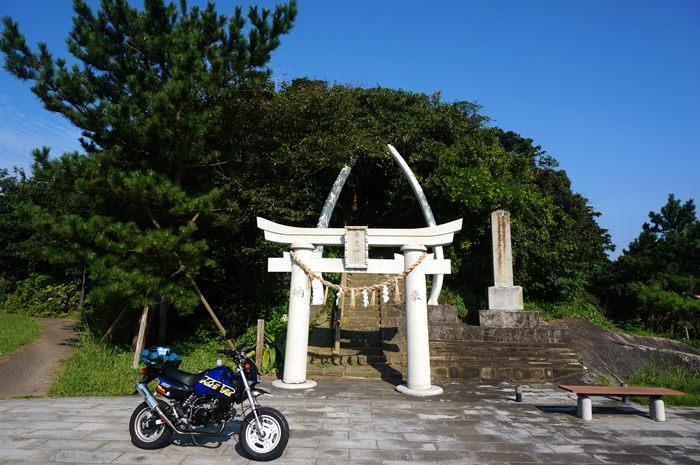 13 小さな神社.JPG