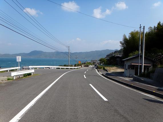 14 島らしい海岸の風景.JPG