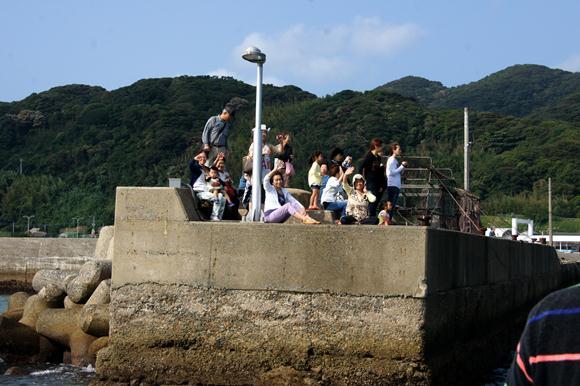 15 島の美女の見送られます.JPG