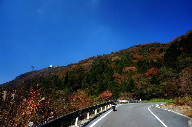 15 鞍岳の峠.JPG