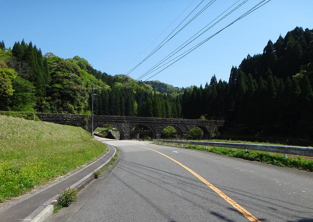 16 何処を走っていても石橋に当たるステキた場所.JPG