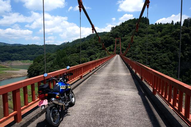 17 誰も通らないつり橋.JPG