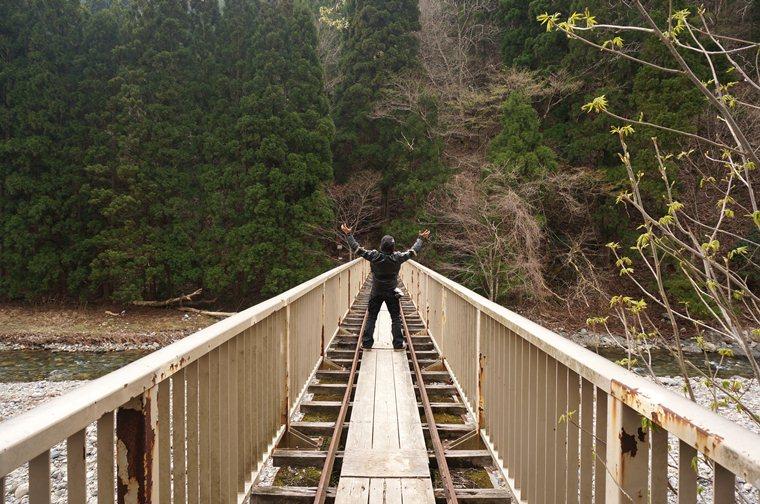 17 鉄橋だぁ~.JPG