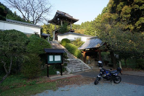 18 お寺は普通過ぎるほど普通.JPG