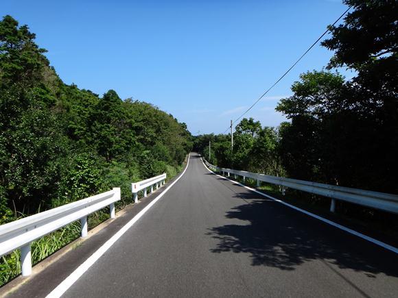 18 山道でも綺麗に整備されています.JPG