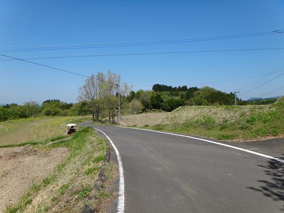 18 林道だけど尾根を走るので景色は良い.JPG