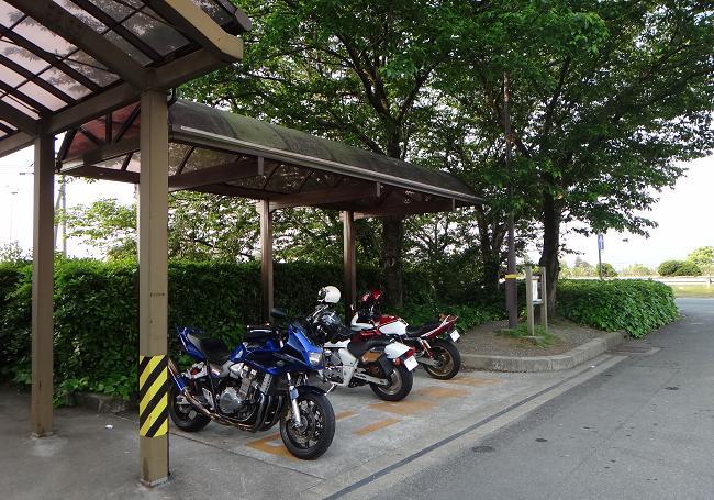 1 連休は終わってるのでバイクは少ない.JPG