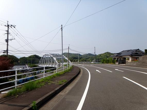 20 小さな橋で陸続きになりました.JPG