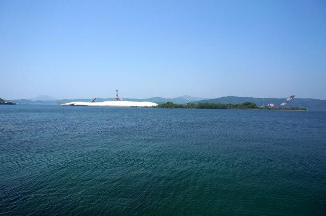 20 白い島.JPG