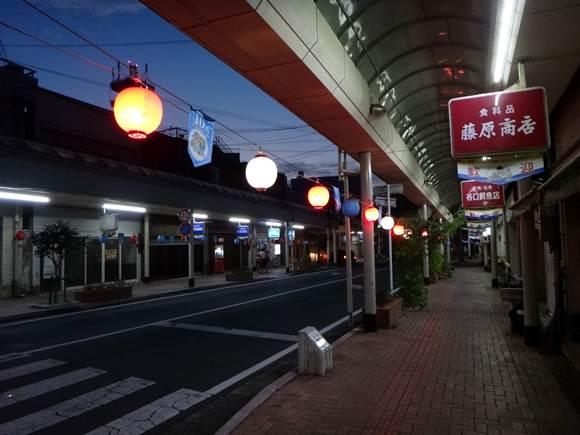24 これが福江の繁華街.JPG