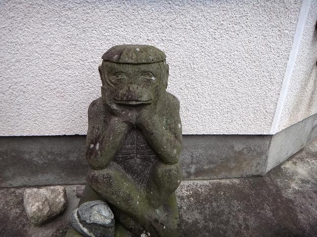 24 道祖神のように祭られていました.JPG