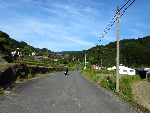 26 農村を抜けます.JPG