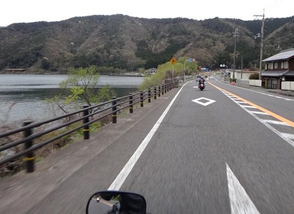 27 これが私がみた最初で最後の琵琶湖だった.JPG