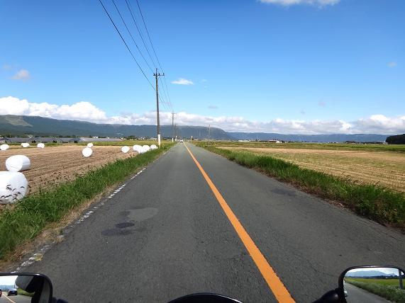 27 牧ノ戸の好きな農道.JPG