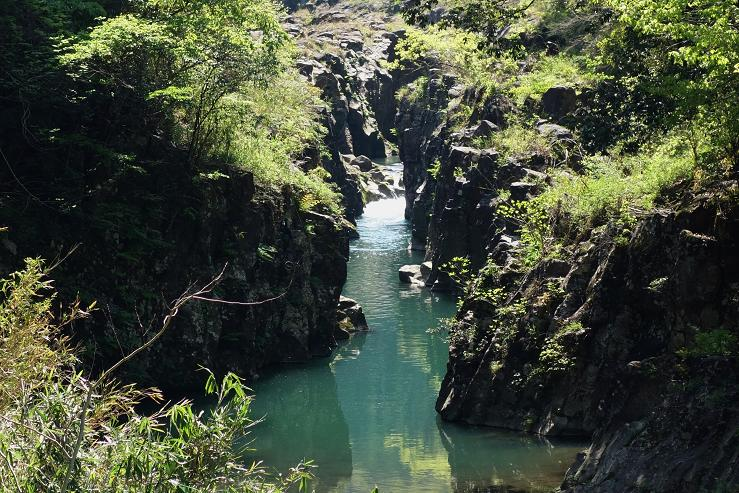 32 綺麗な渓谷を見つけた.JPG