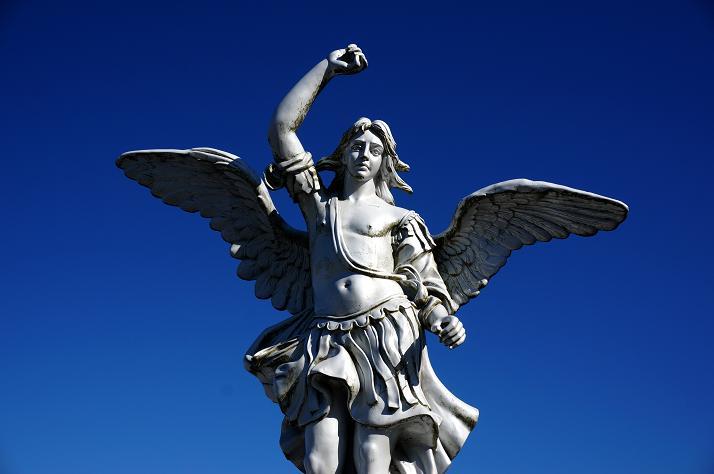 3 目印はこの天使.JPG