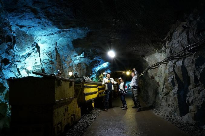 42 炭鉱レンジャーは鉱山が似会う.JPG