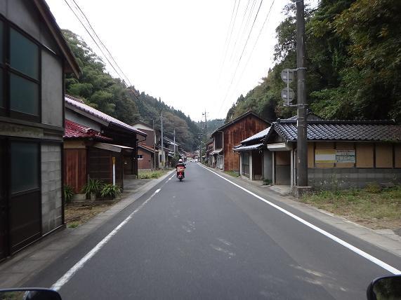 5 ローカルな道.JPG