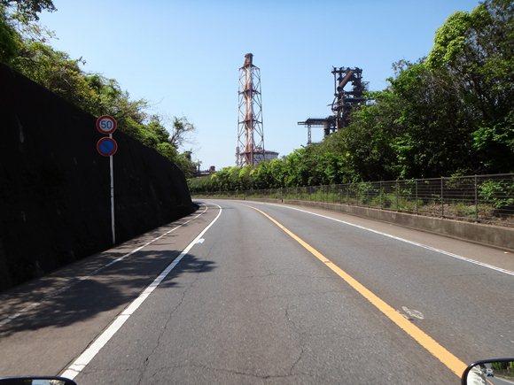 7 製鉄所の真横の道.JPG