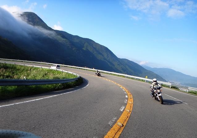 9 由布岳の道.JPG
