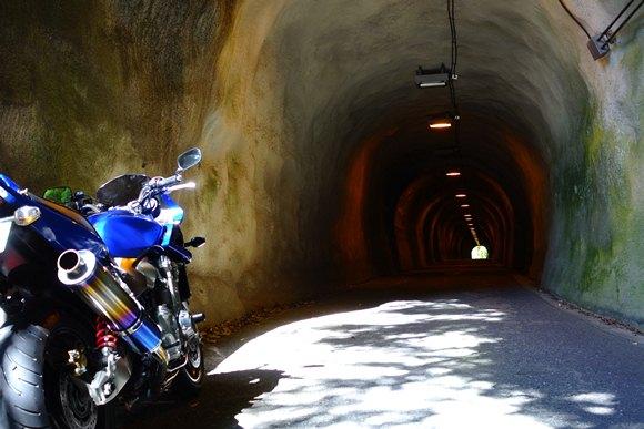 トンネルらしいトンネル.JPG