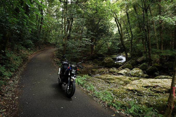 小さなバイクの得意な道.JPG