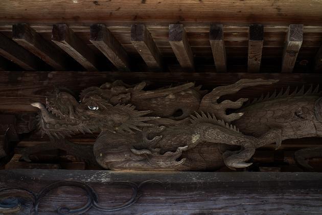 5 小さい神社だけど彫刻は凄い.JPG