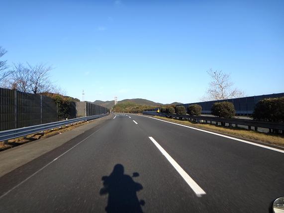 1 九州道南下ってまた先導かいっ.JPG