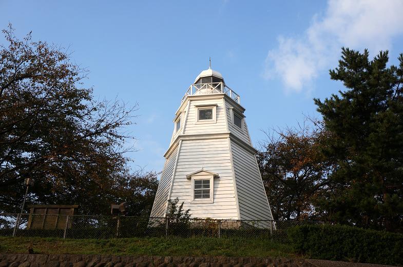 見てきた灯台の中ではかなり可愛い方です.JPG