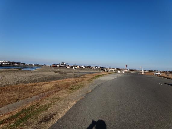 23 河口付近になると空が広い.JPG
